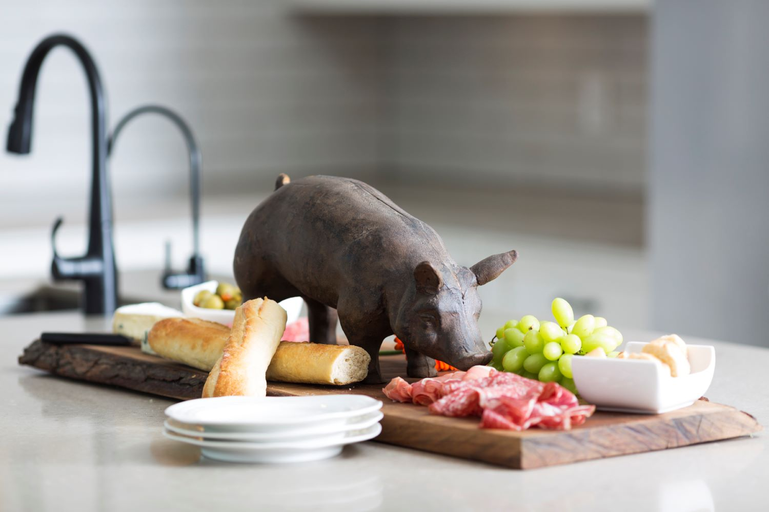 Simpson Kitchen Pig wide
